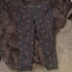 Old Navy flowered stretchy pixie ankle pants